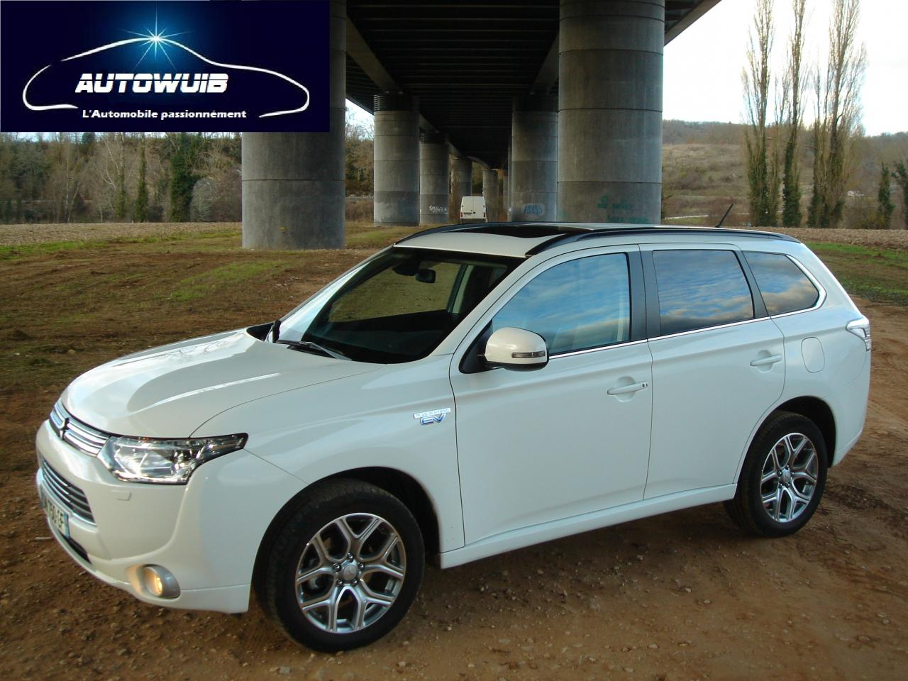 mitsubishi outlander phev instyle gps cuir toe. Black Bedroom Furniture Sets. Home Design Ideas